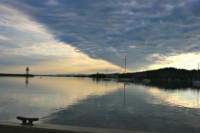 No love - a poem. Photo: Lake Superior North Shore. biteslife.com