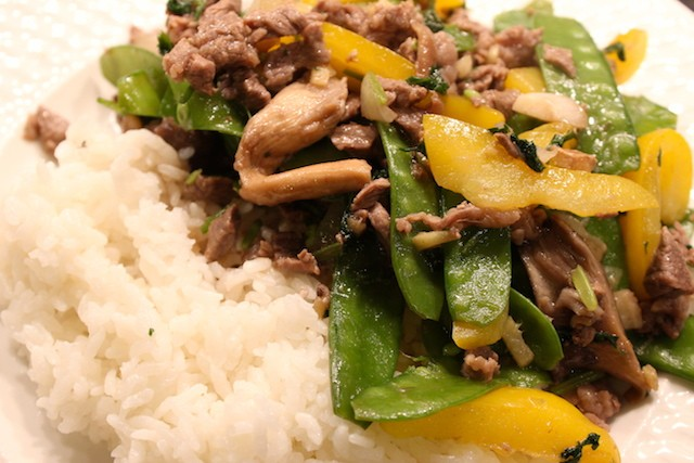 Cilantro beef stir fry with vegetables. biteslife.com